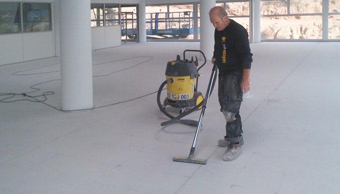 Las superficies y la instalación de revestimientos ligeros